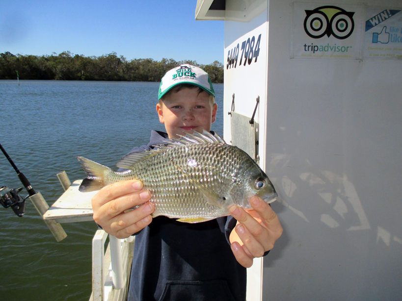 Josh from New Zealand with a nice 30cm Bream!