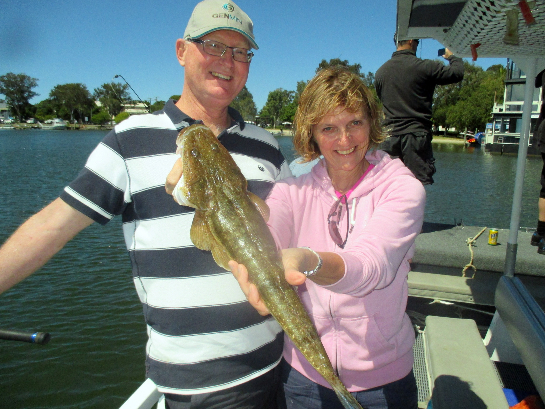 Peter and Hillary from Ton-bridge, U.K. caught a nice 70cm Flathead aboard the Noosa River Fishing and Crab Adventures!
